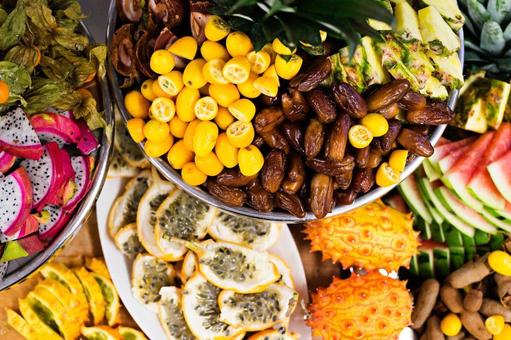 frukter-karibisk-julbuffe-pa-rimforsa-strand-web